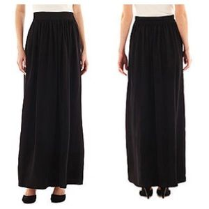 MNG Black Maxi skirt with pockets Large